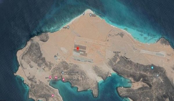 الكشف عن تفاصيل رسو سفينة إماراتية في جزيرة ميون