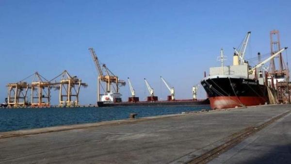 وزارة النقل تناقش إعادة تنشيط موانئ الحديدة