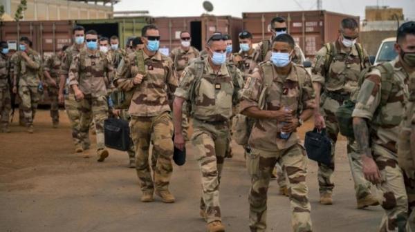 انفجار سيارة مفخخة في مالي يسفر عن جرح 6 جنود فرنسيين و4 مدنيين