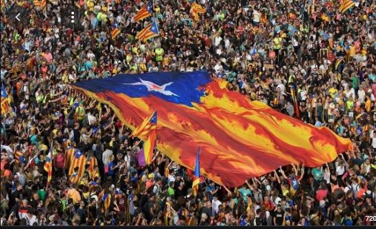الحكومة الاسبانية تعلن العفو عن انفصاليين كاتلونيين محكوم عليهم بالسجن