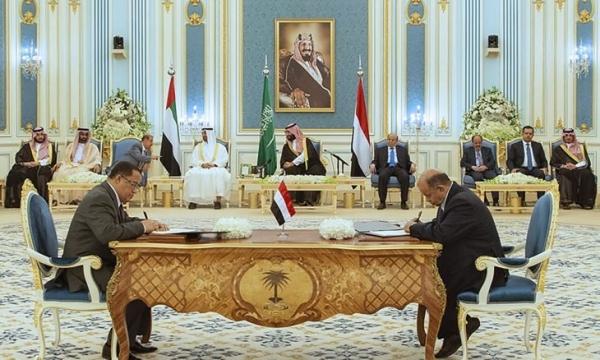 اتفاق الرياض.. قشة المملكة في اليمن الغريق (تحليل)