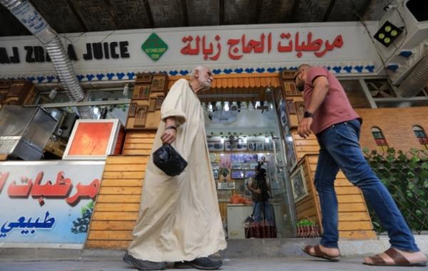 صدام حسين اصطحب قادة عربا لتذوقه.. لغز شهرة عصير الحاج زبالة في بغداد وسر تسميته الغريبة