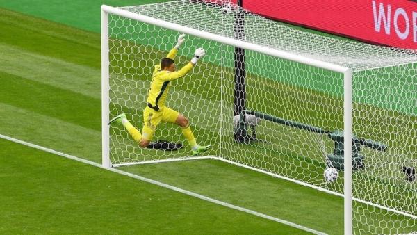 """شاهد.. هدف عالمي """"عابر للقارات"""" يفوز بجائزة أجمل هدف في أمم أوروبا (فيديو)"""