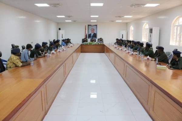 خلال ترؤسه اجتماعا أمنيا في المحافظة.. وزير الداخلية يشيد بجهود الأجهزة الأمنية