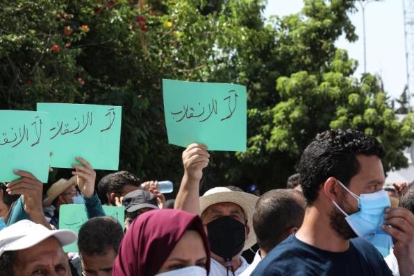 بينها إماراتية وبحرينية.. تحليل لوكالة سند: شبكات موجهة سيطرت على الوسوم المتعلقة بأحداث تونس