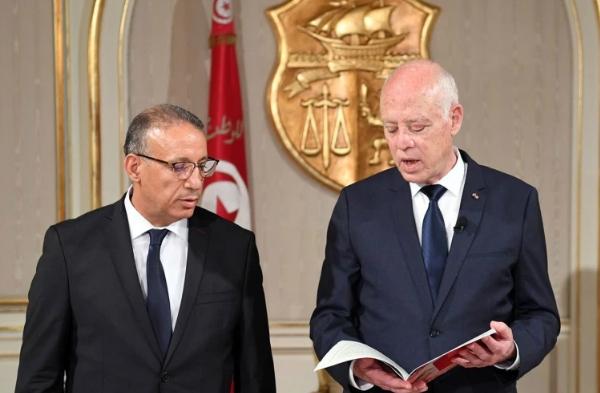"""تونس.. سعيّد يرفض الحوار إلا مع """"الصادقين"""" و7 منظمات نقابية تطالبه بخطة واضحة للمرحلة المقبلة"""