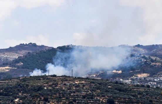 التوتر جنوب لبنان.. تبادل القصف مع حزب الله وإسرائيل تستبعد التصعيد