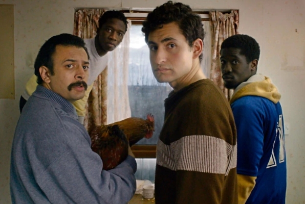 """""""ليمبو"""" فيلم لطيف ولاذع.. الجانب الآخر من حياة اللاجئين"""