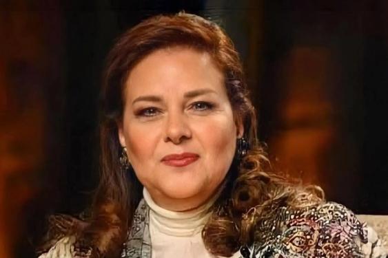 الفنانة المصرية التي خطفت قلوب الجماهير.. رحيل دلال عبد العزيز بعد نحو 10 أسابيع على وفاة زوجها بكورونا