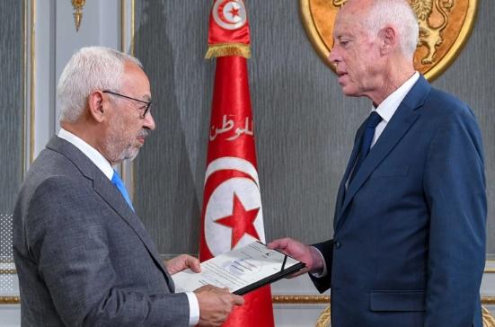 الغنوشي في مقال بإندبندنت: ديمقراطية تونس مهددة.. لا يمكننا السماح بانزلاق آخر نحو الاستبداد