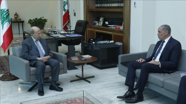 """الاتحاد الأوروبي يحذر من """"انهيار"""" لبنان ويدعو إلى تشكيل الحكومة"""