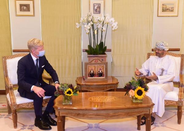 غروندبرغ يبحث مع وزير الخارجية العماني مساعي وقف إطلاق النار في اليمن