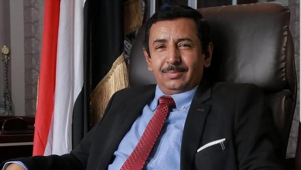 محافظ شبوة يطالب الداخلية بإدراج عصابة يقيم قيادتها في الإمارات إلى القائمة السوداء (اسماء)