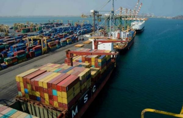 لجنة عمالية تطالب بحماية الحدود البحرية لميناء عدن وتأمينها من اقتراب قوارب الصيادبن