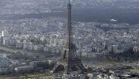 الشرطة الفرنسية تغلق برج إيفل لدواع أمنية