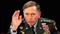 رئيس الاستخبارات الأميركية السابق يعترف بتسليم أسرار لعشيقته