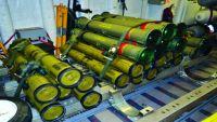 ضبط باخرة أسلحة و5 شبكات تجسس إيرانية في الحديدة
