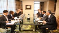 بحاح يلتقي الأمين العام للأمم المتحدة بأبو ظبي ويطالب بضغط دولي على مليشيا الحوثي والمخلوع