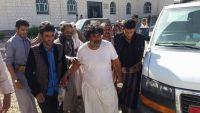 إصابة قيادي بالمقاومة الشعبية بالجوف خلال تحرير معسكر الخنجر (صور)