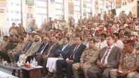 الوفد الحكومي الزائر لمحافظة مارب يلتقي قيادة مقاومة صنعاء