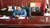 وزير الثروة السمكية يحمل الحكومة والتحالف مسئولية إغلاق الرحلات الجوية إلى سقطرى