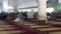 ميليشيا الحوثي بحجة تمنع صلاة  التراويح بمركز المحافظة وسط إصرار المواطنين على أدائها