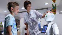 روبوت يكلم ويساعد المرضى في مستشفى بلجيكي
