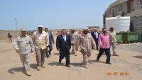 رئيس الوزراء يعقد اجتماعا بقيادة قوات التحالف العربي في عدن