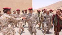رئيس هيئة الأركان يتفقد الوحدات العسكرية في حضرموت ومأرب ويوجه برفع الجاهزية ودرجة الاستعداد(صور)