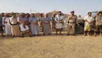محافظ البيضاء يزور اللواء 117 ويلتقي بالضباط والصف والجنود