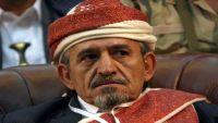 الشيخ صادق الأحمر يطلق تحذيراً بعد استهداف عزاء الشدادي بمأرب