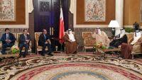 الفريق علي محسن يلتقي ولي عهد البحرين ويؤكد حرص الحكومة الشرعية على السلام