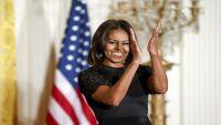 إقالة مسؤولة وصفت زوجة أوباما بأنها «قردة بكعب عال»