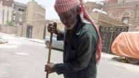 إب : مليشيا الحوثي تختطف 5 من عمال النظافة طالبوا بمستحقات ليستطيعوا مواصلة العمل