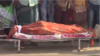 الحوثيون يفرجون عن جثمان الصبيحي والآلاف يشيعونه في طور الباحة (صورة)