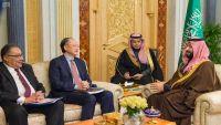 البنك الدولي يبدي استعداده العمل مع السعودية لإعادة إعمار اليمن وتخطي الأزمة الحالية