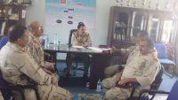 قائد محور تعز يدعو الألوية العسكرية بالمدينة لتثبيت الأمن واعتقال مثيري الشغب