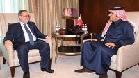 المخلافي يبحث مع نظيره القطري تطورات الأزمة في اليمن