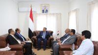 بن دغر : مليشيات الحوثي والمخلوع سخرت إيرادات الدولة في حروبها العبثية