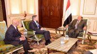 أمريكا تجدد دعمها لشرعية الرئيس هادي