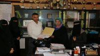 شبيبة عدن ومبادرات شبابية تكرم مدراء الثانويات النموذجية للبنات بمناسبة عيد الأم