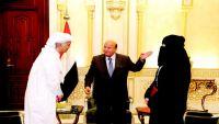 """الرئيس هادي في حوار مع صحيفة سعودية يكشف كواليس انطلاق """"عاصفة الحزم"""" (نص الحوار)"""
