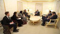 بريطانيا تجدد دعمها للشرعية في اليمن ومرجعيات الحل السياسي وفقا للقرارات الدولية