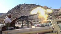تواصل المعارك بمحيط معسكر خالد ومقاتلات التحالف تستهدف مواقع المليشيا غرب تعز