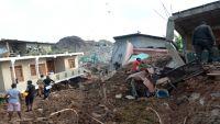 انهيار جبل نفايات على حي عشوائي في سريلانكا يودي بـ 19 شخصا