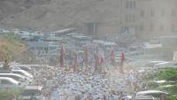 الحج إلى قبر نبي الله هود بحضرموت.. طقوس دينية ومزارات تاريخية (صور)