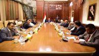 بيان رئاسي يرفض إعلان مجلس عدن ويفوض هادي بتعزيز التوافق