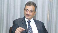 محافظ شبوة يؤكد وقوفه مع شرعية الرئيس هادي