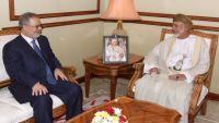 سلطنة عمان تدخل على خط الأزمة في اليمن ما الذي يمكن أن تقدمه؟ (تقرير)