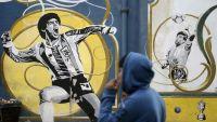 """بين مارادونا والآخرين """"اليد الخالدة وهدف القرن"""" 18 / 23"""